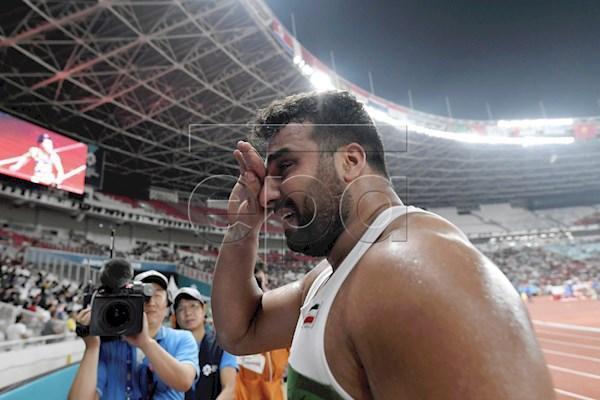 احسان حدادی: گریه کردم، چون 6 ماه است خانواده ام را ندیده ام