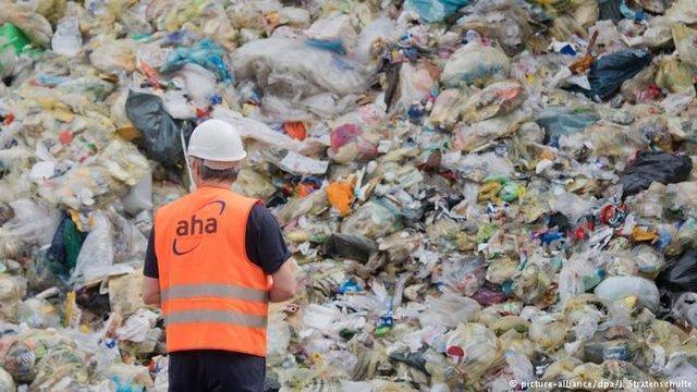 بازیافت زباله های پلاستیکی چالش پیش روی شوراهای محلیِ انگلیس