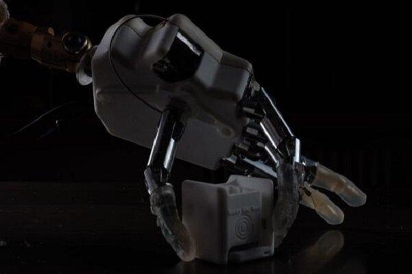 رباتی که حس ششم را به معلولان باز می گرداند
