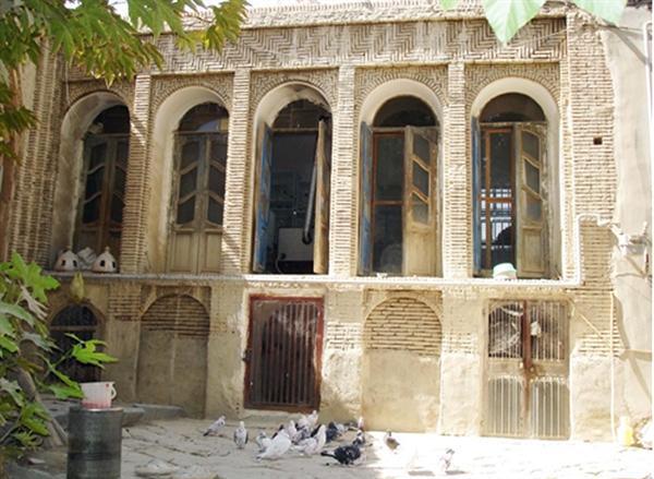 عملیات مرمتی خانه حاج آقا محسن عراقی در استان مرکزی درحال انجام است