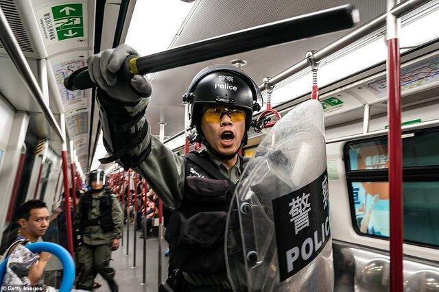 هنگ کنگ همچنان شاهد درگیری های شدید است