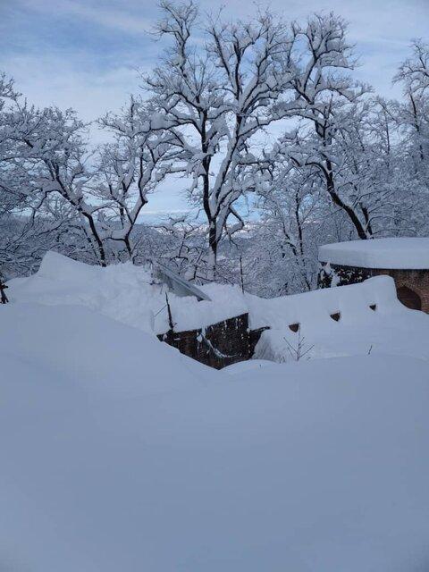 قلعه رودخان و موزه روستایی هنوز در محاصره برف اند