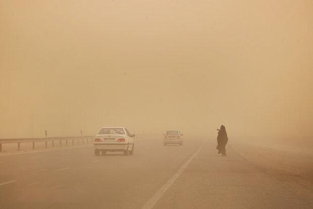 وزش باد 90 کیلومتری در زابل ، طوفان تا شنبه ادامه دارد