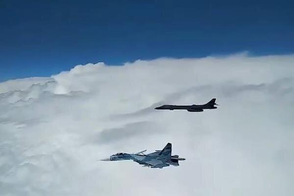 روسیه یک فروند بمب افکن بی-52 آمریکا را رهگیری کرد