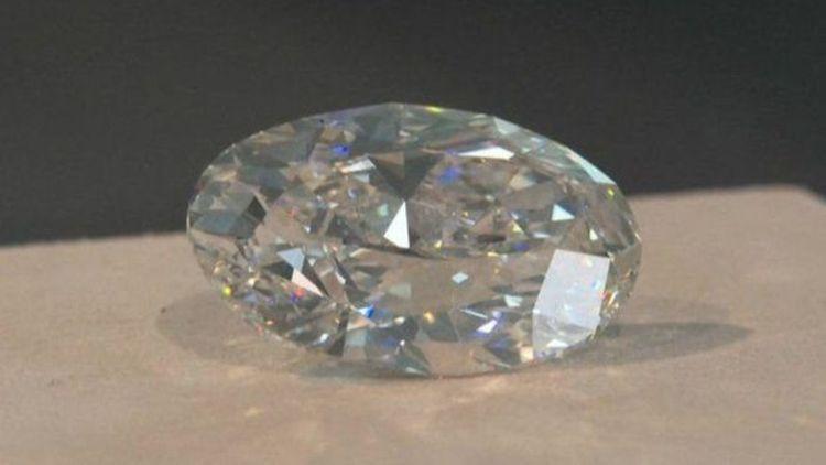 الماس 102 قیراطی مفت در حراج فروش رفت