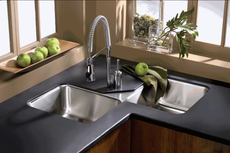 ترفندی جادویی برای براق کردن سینک ظرفشویی