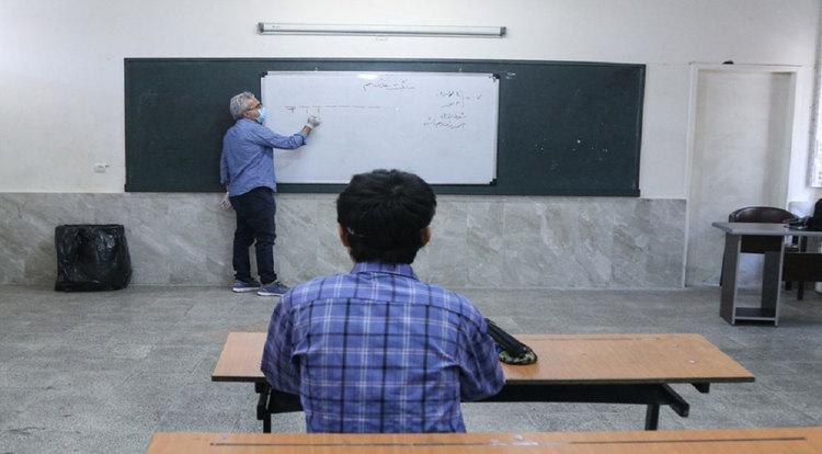 تکذیب بازگشایی مدارس از نیمه آذر