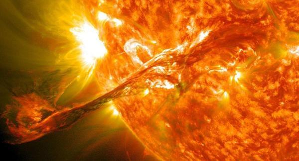 زمان احتمال انفجار ناگهانی خورشید