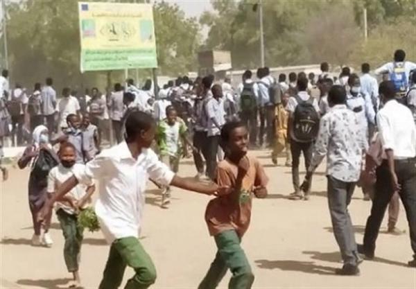آفریقا، درگیری دانش آموزان سودانی با نیروهای امنیتی، آمادگی لیبی برای ترسیم مرزهای دریایی با یونان
