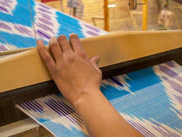 آشنایی با هنر بی نظیر دارایی بافی در یزد