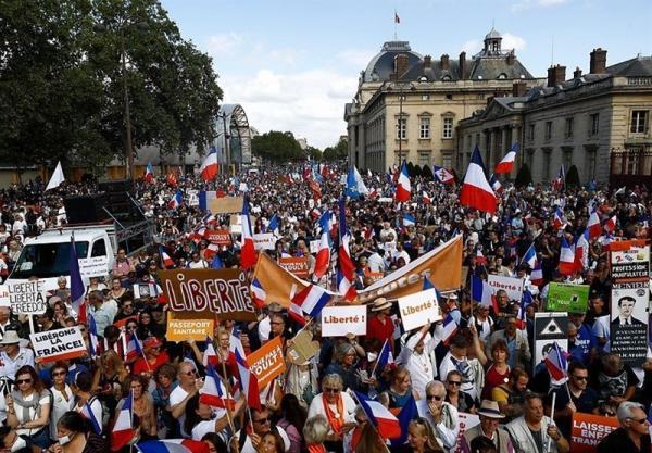 اعتراضات گسترده ضد مقررات کرونایی در فرانسه و ایتالیا